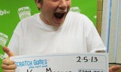 Il gagne 100 000 dollars et démissionne sur-le-champ !