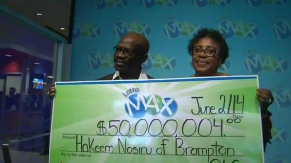 quelques mois plus tard ils retrouvent leur billet gagnant de loto 50 millions. Black Bedroom Furniture Sets. Home Design Ideas